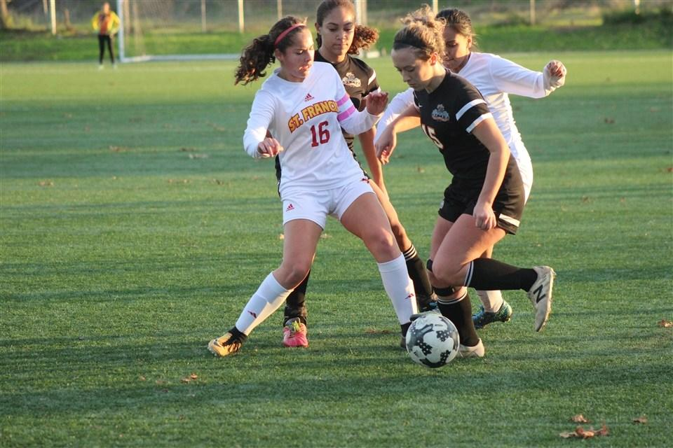 Soccer Opens with 4-0 Win over Vacaville - St  Francis